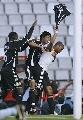 图文:塞尔塔1-2皇马 罗比尼奥进球后脱衣