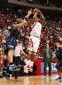 图文:[NBA]火箭VS爵士 麦迪三分出手