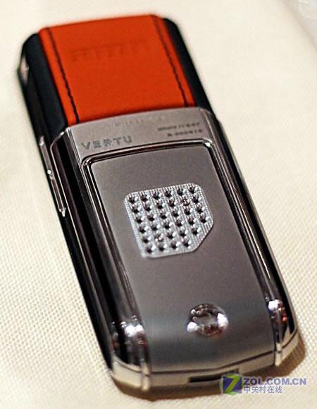 vertu手机ferrari_红色F1旋风 法拉利限量版Vertu手机登场(组图)-搜狐新闻