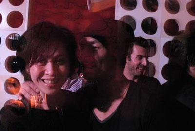 刘嘉玲与中田英寿在自己的酒吧里狂欢