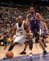 图文:[NBA]湖人126-103胜国王 奥多姆内线强打