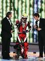 图文:劳伦斯颁奖晚会 摩托车手罗西