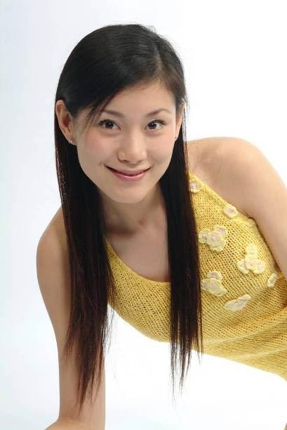 搜狐汽车抢先曝光2007上海车展比亚迪展台美女车模  主持人