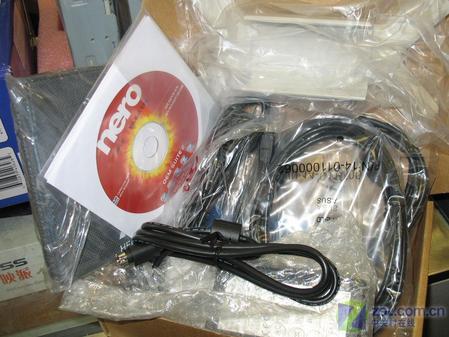 华硕外置全能DVD 1608P2S-D再跌百元