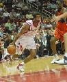 图文:[NBA]火箭vs勇士 海德带球底线突破