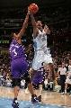 图文:[NBA]掘金胜国王  坎比也玩上篮