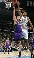图文:[NBA]掘金胜国王  坎比封盖对手