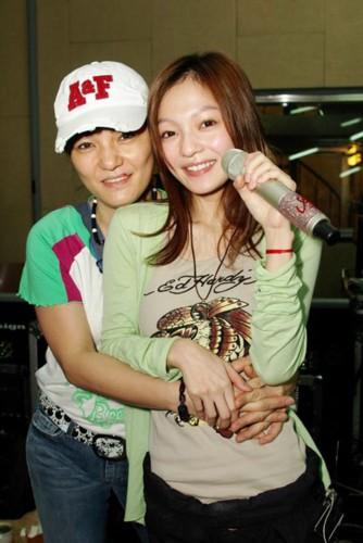 张韶涵和母亲