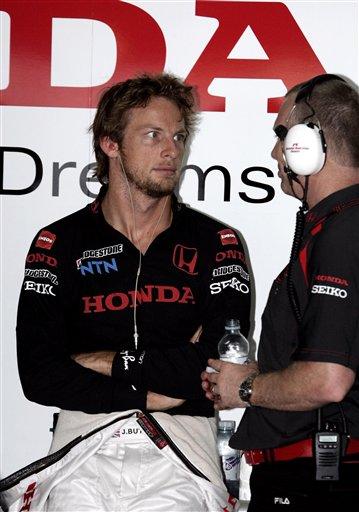 图文:[F1]马来西亚站练习 巴顿瞪大双眼
