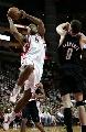图文:[NBA]火箭VS开拓者 海耶斯突破上篮