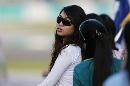 图文:[F1]马来西亚大奖赛 酷酷的美女