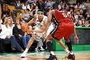 图文:[NBA]热火胜凯尔特人 格林单打琼斯