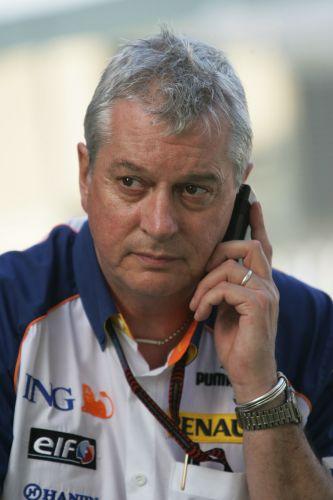 """图文:[F1]马来西亚站排位赛 """"西蒙兹求救"""""""