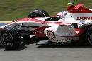 图文:[F1]马来西亚站排位赛 戴维森进行比赛