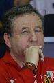 图文:[F1]马来西亚站排位赛 托德在思考
