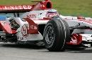 图文:[F1]马来西亚站排位赛 赛场上的佐藤