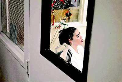 自1976年被拐卖后,苏亚雷斯直到2004年才得以重回姐姐家,这时她已经从一个少女变成了中年妇女。