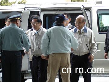陈水扁与苏贞昌昨天一同赴台中,党内传出了陈水扁挺苏的说法。(中央社图)