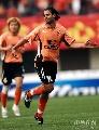 图文:[中超]武汉2-0河南 吉奥森庆祝进球