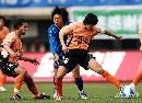 图文:[中超]武汉2-0河南 队长对决