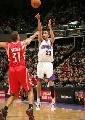 图文:[NBA]火箭VS国王 马丁三分出手