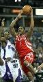 图文:[NBA]火箭VS国王 麦迪突破上篮