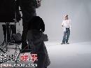 图:壹基金计划花絮-拍摄现场李连杰发表看法