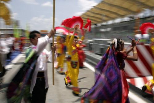 图文:[F1]马来西亚站正赛 闪亮登场