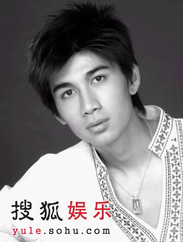 """《我不是李白》主要演员之""""明星""""郑磊"""
