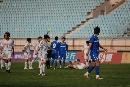 图文:青岛2-1北理工 北理工队员负伤