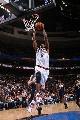 图文:[NBA]76人胜步行者  史密斯扣篮