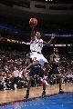 图文:[NBA]76人胜步行者  威廉姆斯飞身上篮