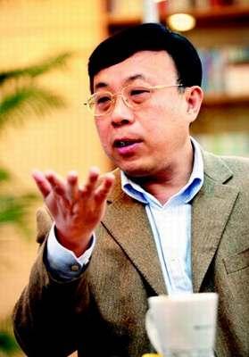 """广州日报报业集团董事长、""""中国经济50人论坛""""企业家理事会成员戴玉庆。"""