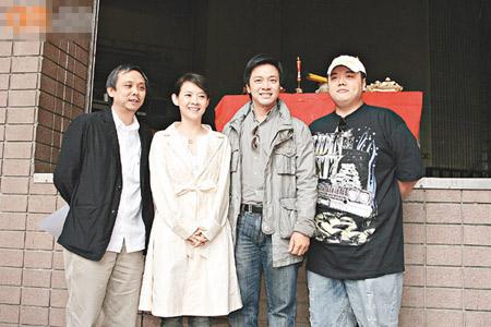 陈嘉上(左起)、曾宝仪、唐季礼及林子聪齐齐出席拜神仪式