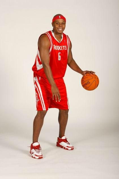 图文:[NBA]维尔士瞬间  身着火箭战袍