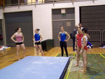 中国女队进行赛前训练