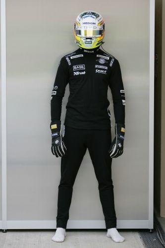 图文:[F1]世爵车手添新衣 新防火服