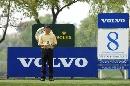 图文:VOLVO中国公开赛第三轮 张连伟等待开球