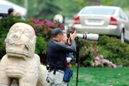 图文:VOLVO中国公开赛第三轮 繁忙的摄影记者