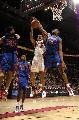 图文:[NBA]猛龙胜活塞  华莱士送出大帽