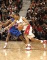 图文:[NBA]猛龙胜活塞  格拉汉姆突破