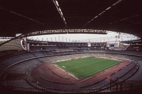 图文:意申办欧洲杯8大赛场 都灵阿尔皮球场