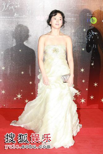 图:第26届香港金像奖红地毯--宋慧乔5