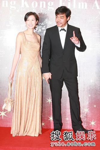 金像奖红毯现场— 刘青云郭蔼明夫妻很甜蜜