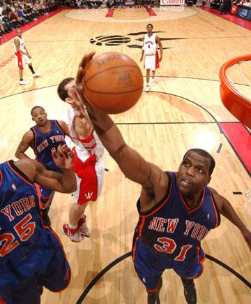 图文:[NBA]猛龙胜尼克斯 马里克-罗斯力摘篮板