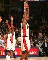 图文:[NBA]勇士胜森林狼 杰克逊高举双手