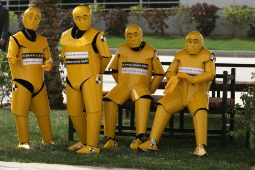 图文:[F1]巴林大奖赛正赛 赛场外的机器人