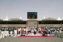 图文:[F1]巴林大奖赛正赛 车手们的集体照