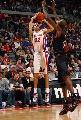 图文:[NBA]76人胜活塞 普林斯三分出手