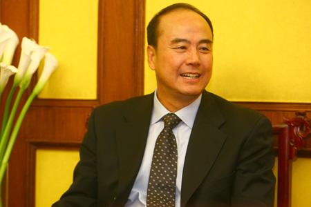 图文:奥运票务销售新闻发布会 王伟接受采访